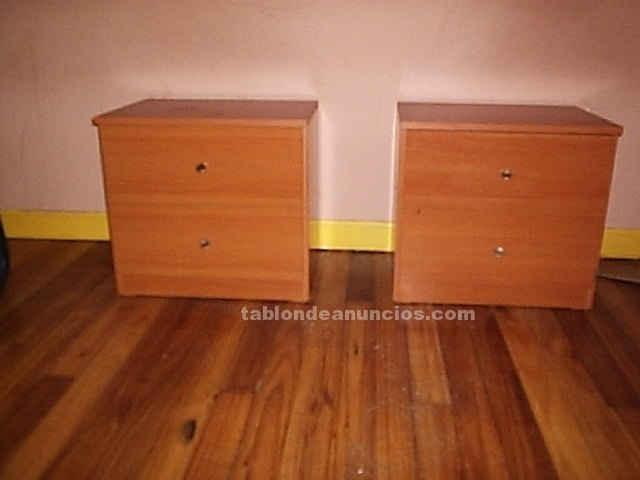Tabl n de anuncios com 2 mesitas y 1 comoda color for Muebles color cerezo baratos
