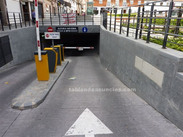 Tabl n de anuncios com parking en la plaza del for Garajes en renta