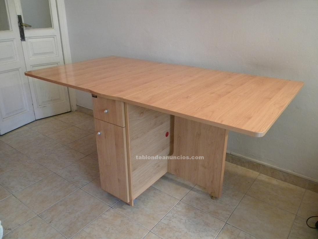 Tabl n de anuncios mesa de madera plegable 4 sillas for Mesa de playa plegable