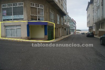 local comercial ribadeo: