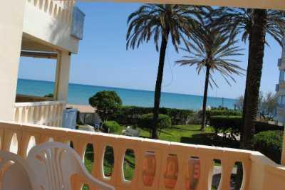 Alquilo apartamento salida directa al mar desde el jardin