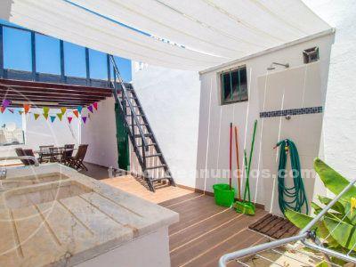 Villa en isla armona de 4 dormitorios con vistas al mar.