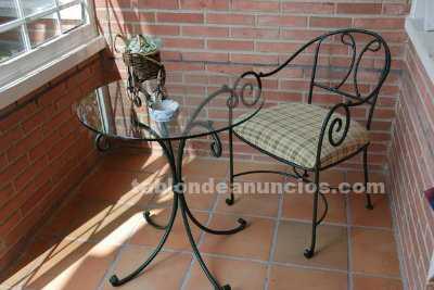 Mesa y butaca hierro forjado negro porche/jardin