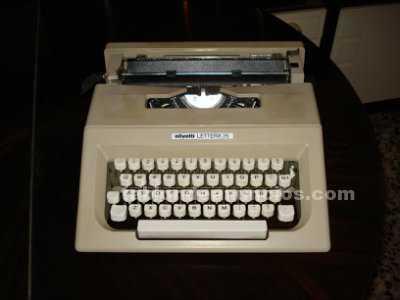 Máquina escribir olivetti, mod. Lettera 25