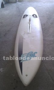 Vendo tabla de windsurf en buen estado ideal para aprender