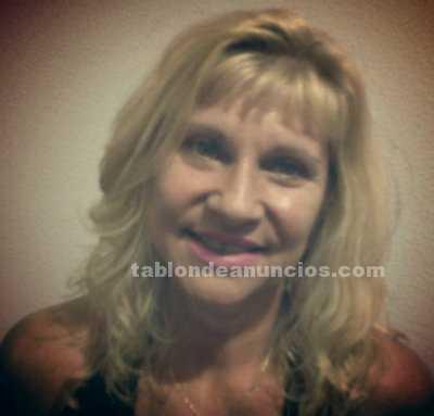 Licenciada imparte clases de portugués y realiza traducciones e interpretaciones
