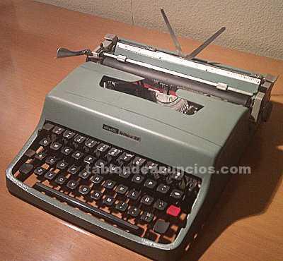 Máquina de escribir olivetti lettera 32