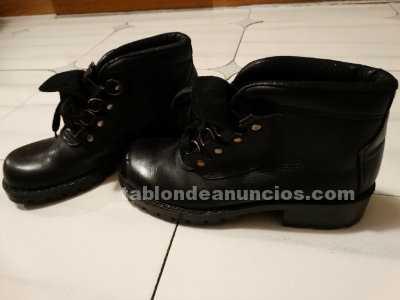 Botas piel militares de montaña. Originales. Negras