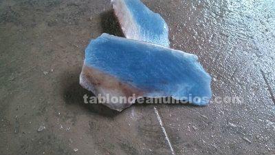 Calcedonia azul o agata azul o tambien llamada piedra madre
