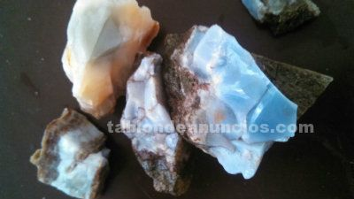 Piedras semipreciosas en bruto