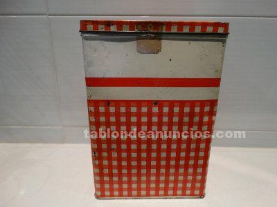 Antigua caja de cola cao