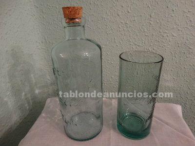 Botella Coca Cola con vaso