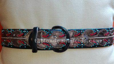 Elegante cinturon de cuero alta costura