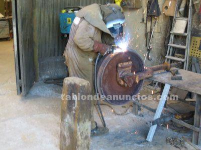Recrecidos de ruedas guia y cadenas de maquinaria pesada