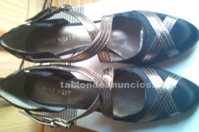 Zapatos gris y plata de nine west
