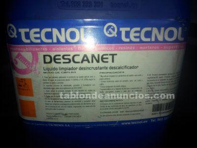 Liquido potente para limpiar cemento