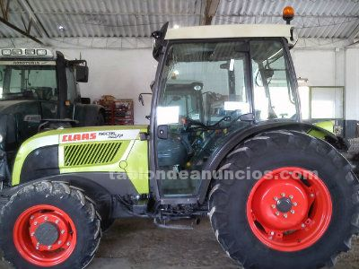 Tractor claas