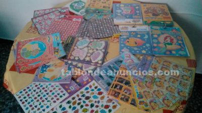 Sticker surtidos y expositor