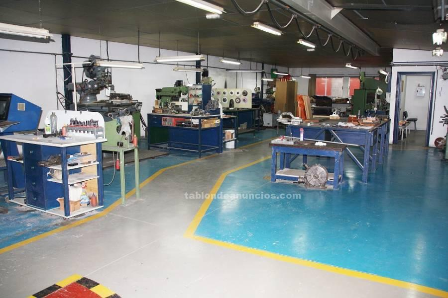 Nave industrial se alquila taller mecánico con