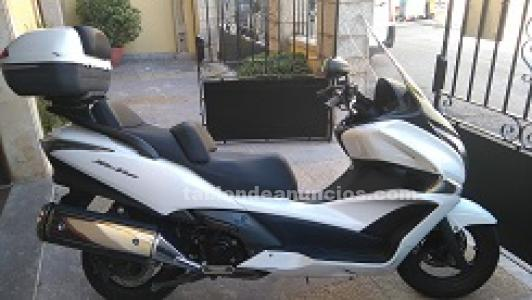 Vendo scotter honda sw 400