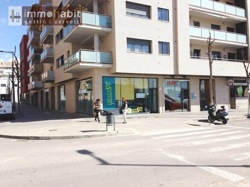 Local esquinero de 105 m2 en cap pont