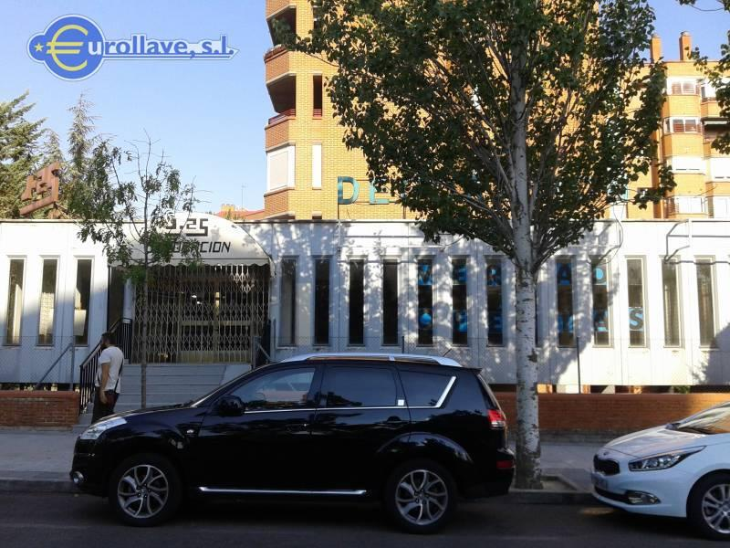 Venta local comercial tres cantos madrid