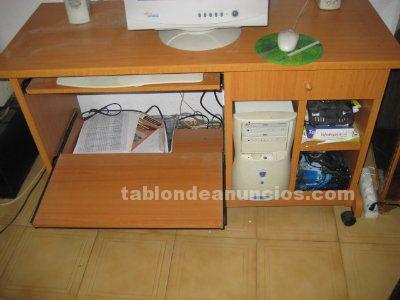 Tabl n de anuncios mesa de ordenador de madera con ruedas for Mesa de ordenador con ruedas