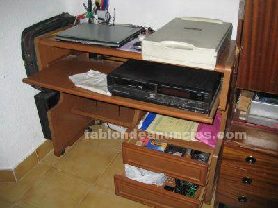 Tabl n de anuncios mesa de ordenador ruedas de 98 5x42x79cm for Mesa de ordenador con ruedas