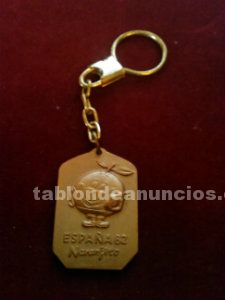 Llavero vintage naranjito color dorado 1982 impecable