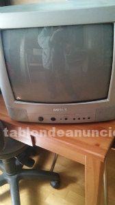Televisor y soporte