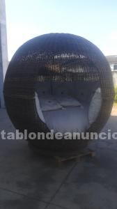 Tabl n de anuncios cama chill out para jard n for Exposicion piscinas desmontables