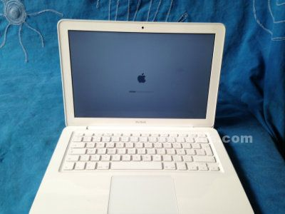 Apple macbook unidoby 13""