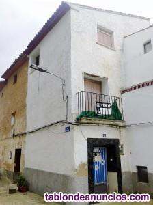 Casa de 3 plantas + bodega y jardin