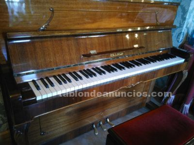 PIANO DE PARED PETROF P 118 C1