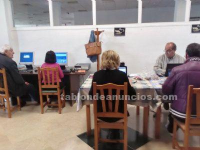 Se imparten clase de informática a todas las edades desde 5 años a 95.