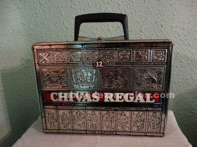 Maletín metálico whisky chivas regal 12 years