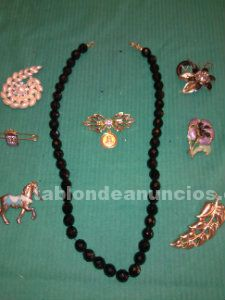 Broches y collar