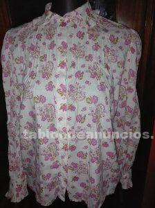 Camisa de florecitas estilo ingles.