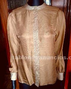 Bonita camisa de seda etnica