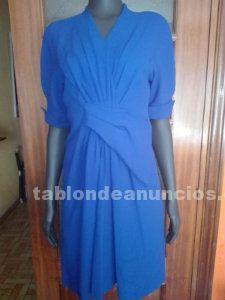 Elegante vestido de color klein