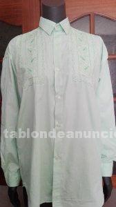 Camisa de color verde pastel