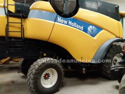 Cosechadora marca new holland