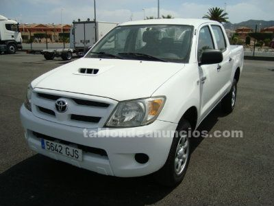 Toyota hilux 2.5 d-4d doble cabina pick up 4x4.