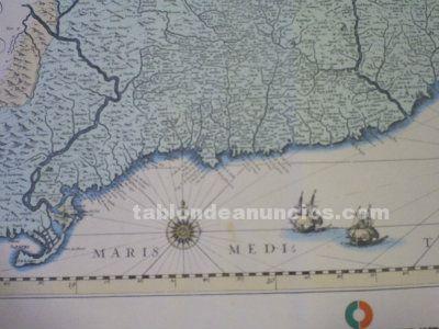 Lamina con cartografia de catalonia, insignia del partido ucd.