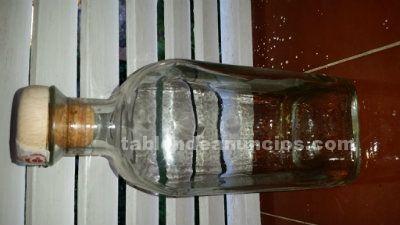 Botellas cristal cuadrada tapón madera-corcho