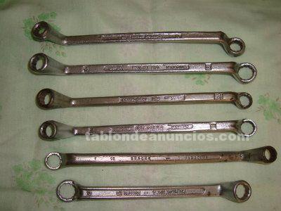 J.llaves de codos