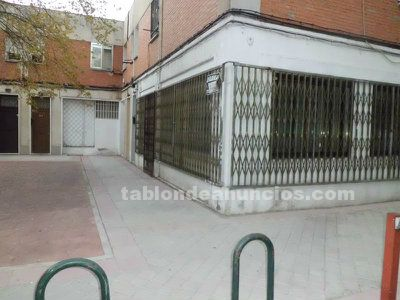 Vendo local comercial en barrio del pilar
