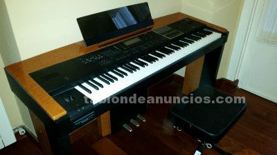 Korg interactive music workstation i1