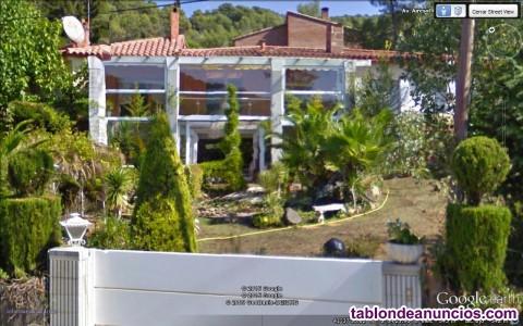 Vendo casa chalet o mansión independiente con parque ajardinado