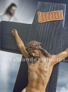 Crucifijo con Cristo de yeso-escayola